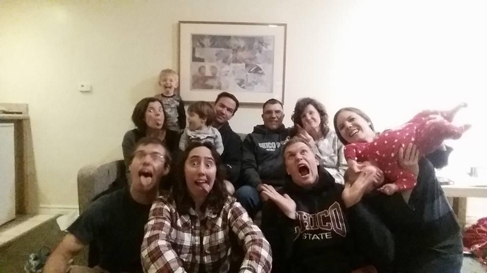 The 2016 Alves family Thanksgiving portrait